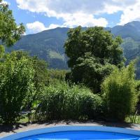 Pool im Sommer